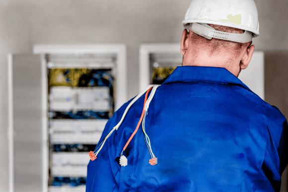 Sempre tenha medidas efetivas e bons equipamentos em instalções elétricas