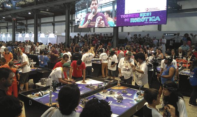 Torneio de robotica do SESI First Lego League