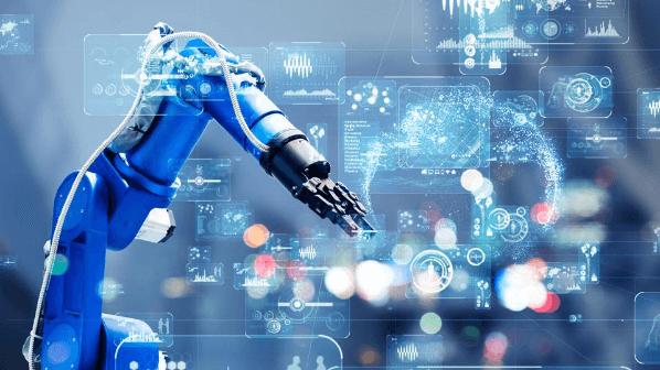 Braco robotico industrial e tela projetada na frente