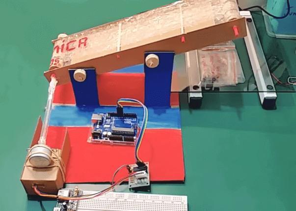 Pequeno projeto de uma esteira que utiliza motor de passo e Arduino como componentes eletrônicos