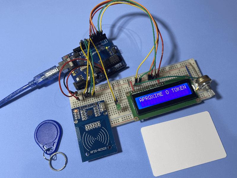Projeto bônus realizado com o display LCD, Arduino e Módulo RFID todos os componentes eletrônicos em uma foto