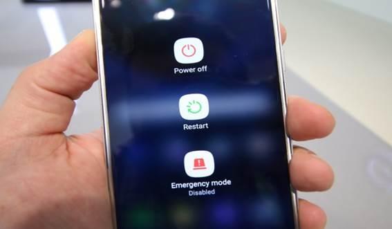 Telefone não carrega direito e dá 3 opções diferentes para solucionar